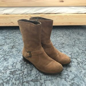 Suede brown leather boots